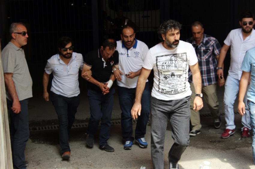 Eşi ve 2 çocuğunu katleden şahıs tutuklandı