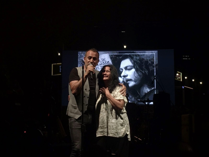 Haluk Levent'ten 'Barış Akarsu' konseri