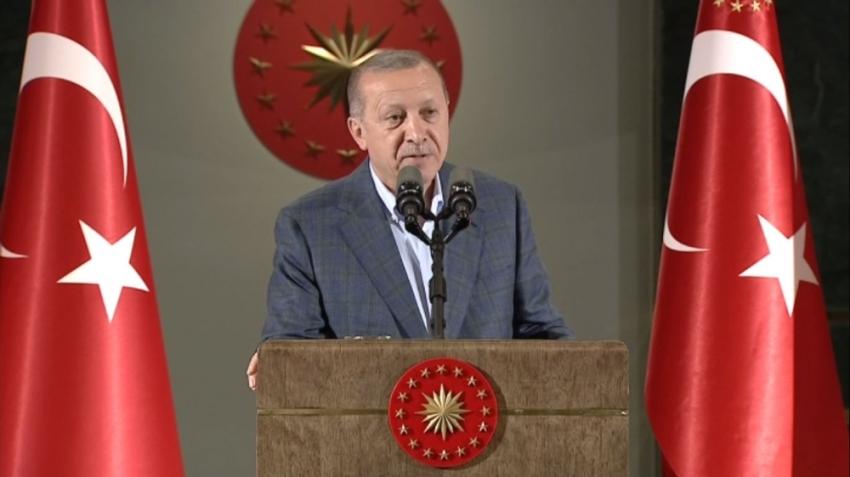 Erdoğan'dan gençlere: Gerektiğinde canınızı verin ama...