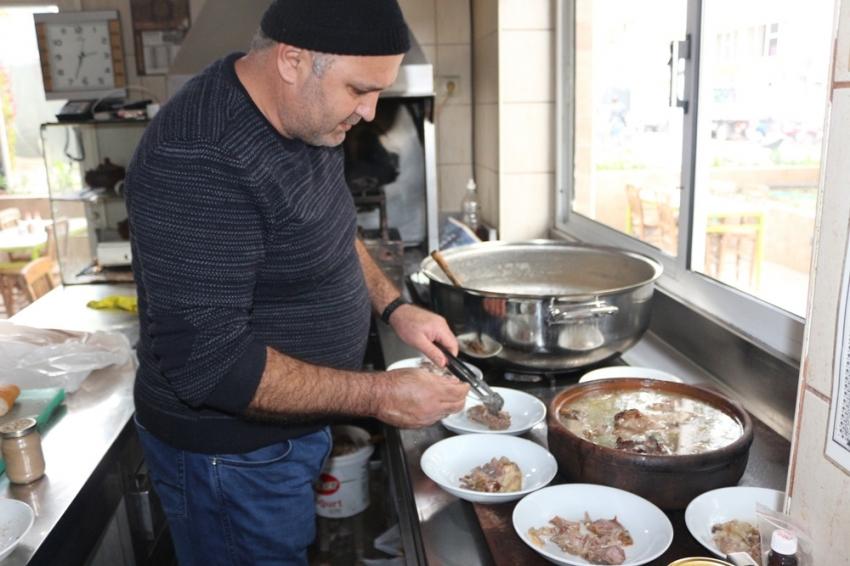 'Sulu Muğla Kebabı' için Yunanistan'dan geliyorlar