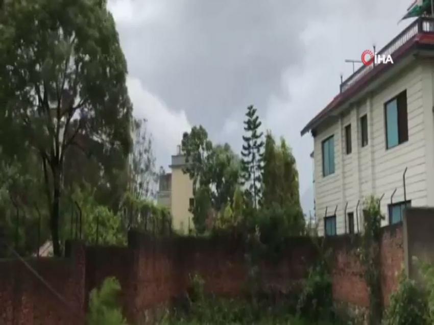 Netapal'da fırtına: 2 ölü, 100 yaralı