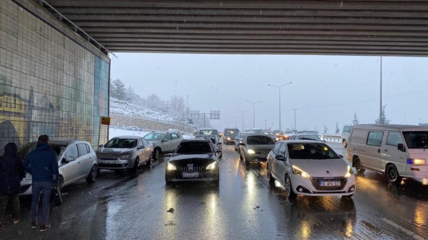 Bursa-Mudanya yolu tıkandı