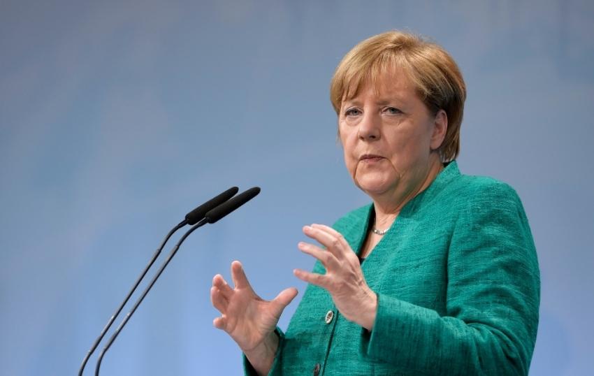 """Merkel: """"AB ülkeleri kendi gelecekleriyle ilgilenmeli"""""""