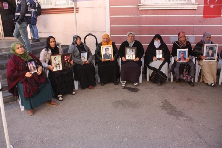 HDP önündeki ailelerin evlat nöbeti 72'nci günde