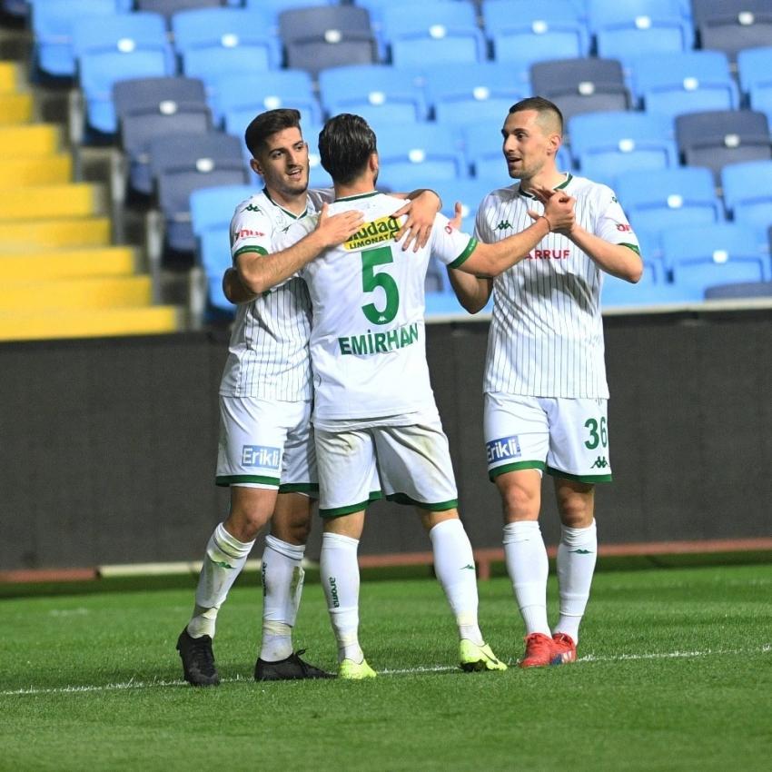 Bursaspor, Play-Off barajına 2 puan daha yaklaştı