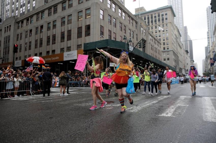 LGBT üyeleri New York'ta da sokaktaydı