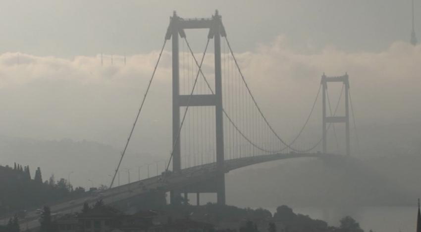 İstanbul'da sis kartpostallık görüntüler oluşturdu