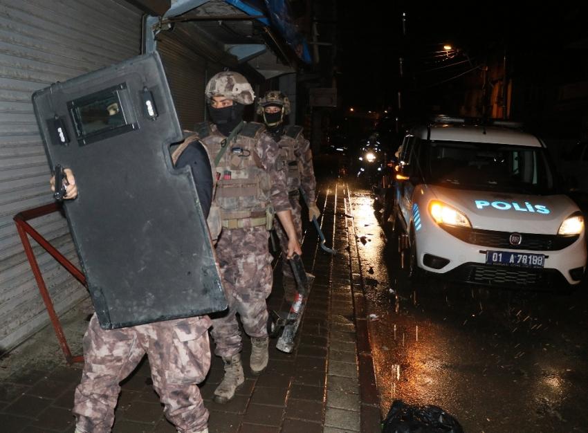 Adana'da sokak çetesine şafak operasyonu