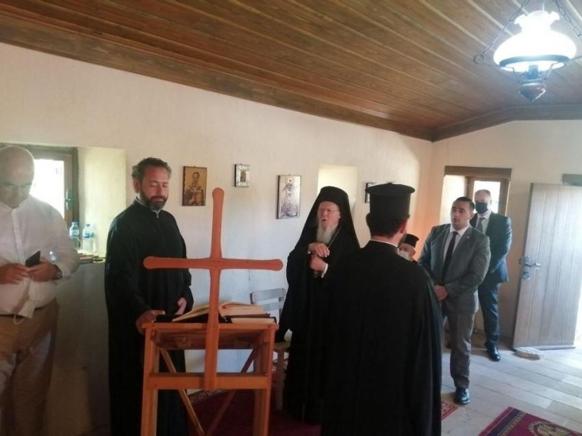 Bartholomeos Bozcaada'da düzenlenen geleneksel ayine katıldı