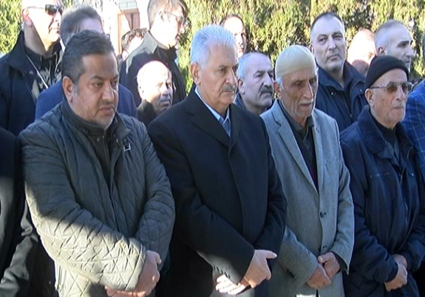 Başbakan ilkokul öğretmeninin cenaze törenine katıldı