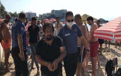 Dünyaca ünlü plajda soyunma kabininde skandal bir olay