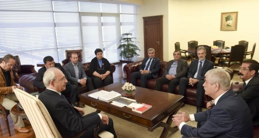 Kılıçdaroğlu, DİSK, KESK, TMMOB, TTB başkanlarını kabul etti