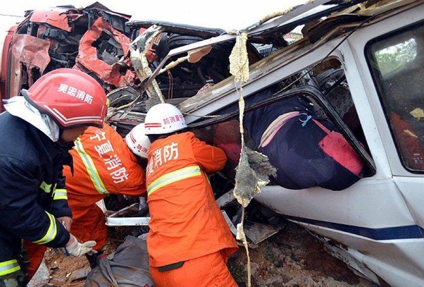 Katliam gibi kaza: 35 ölü