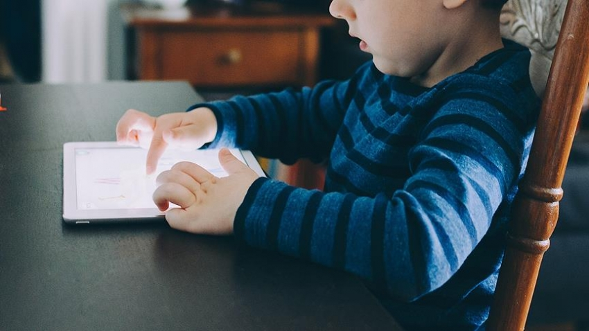 Çocuklarda dijital medya kullanımı iletişim ve gelişimi bozuyor