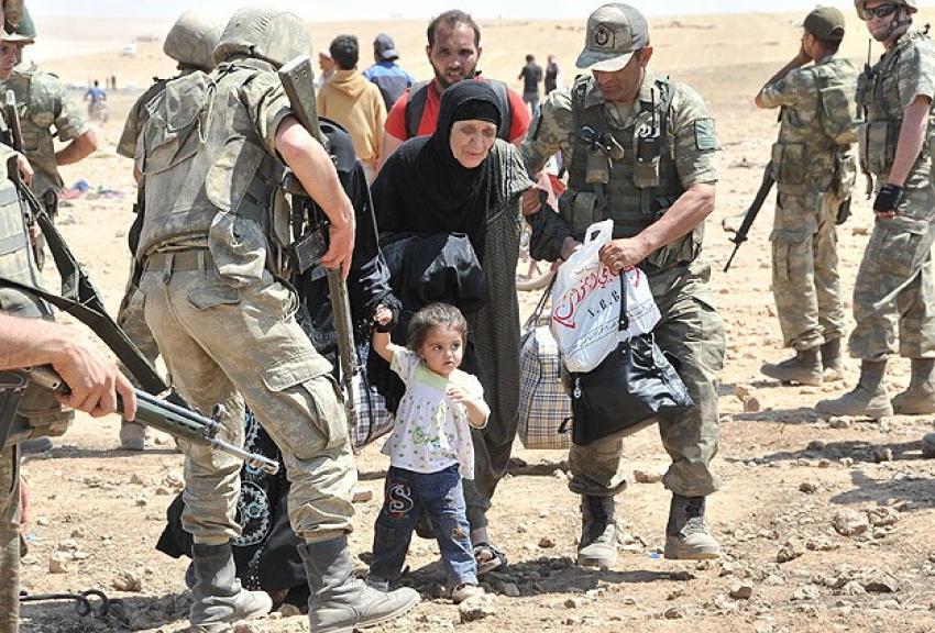 Mehmetçik Suriyeliler için seferber oldu