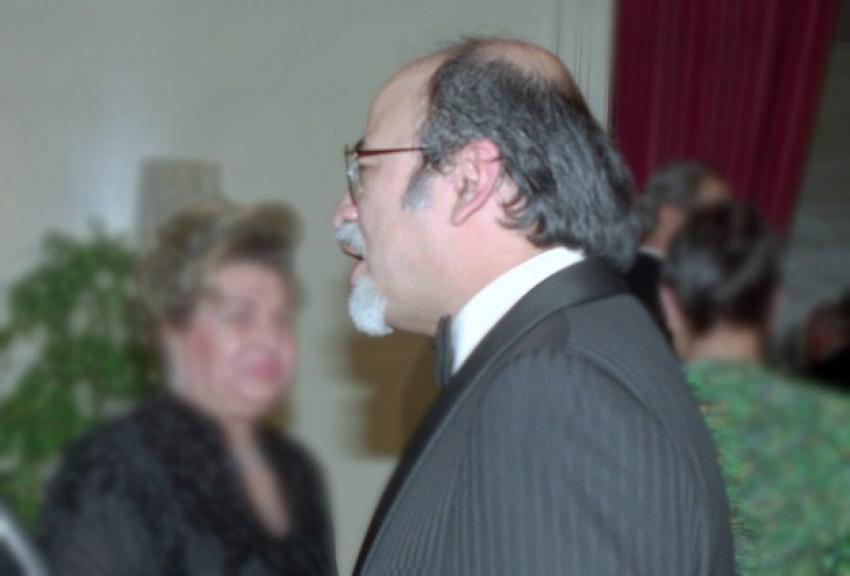 Erol Simavi vefat etti