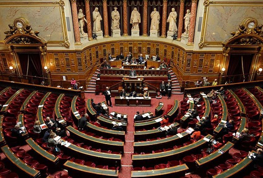 Fransa'da istihbarat tasarısı kabul edildi