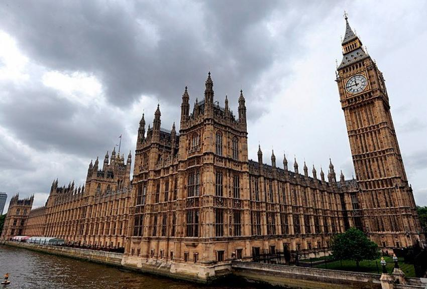 Tarihi İngiliz parlamentosu çürüyor