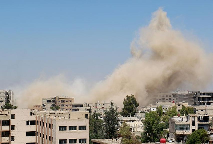 Suriye ordusundan varil bombalı saldırı