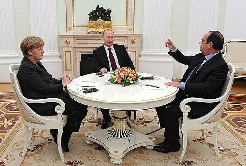 Putin, Hollande ve Merkel'le Ukrayna'yı görüştü
