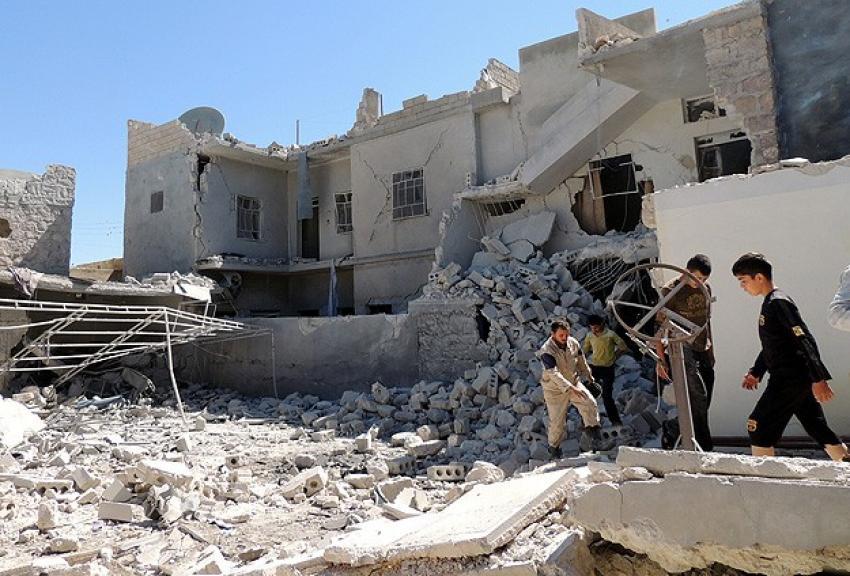 Suriye ordusu 'vakum bombası'yla vurdu