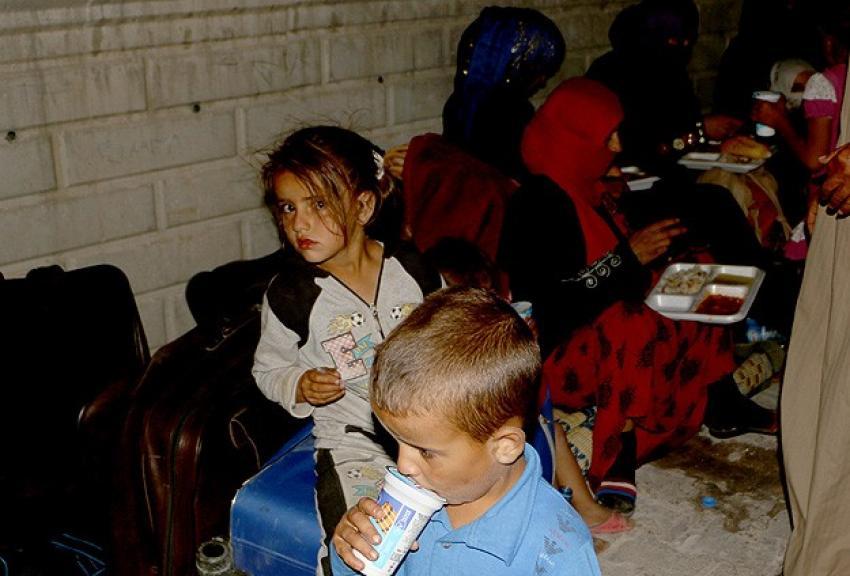 Suriyeli Türkmenler Türkiye'ye sığındı