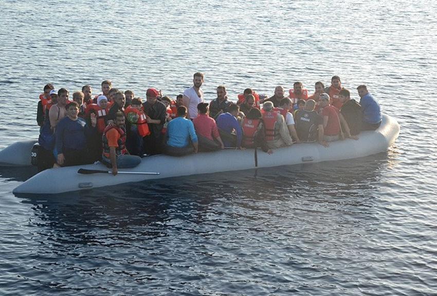 Ege Denizi'nde 5 günde 955 kaçak kurtarıldı