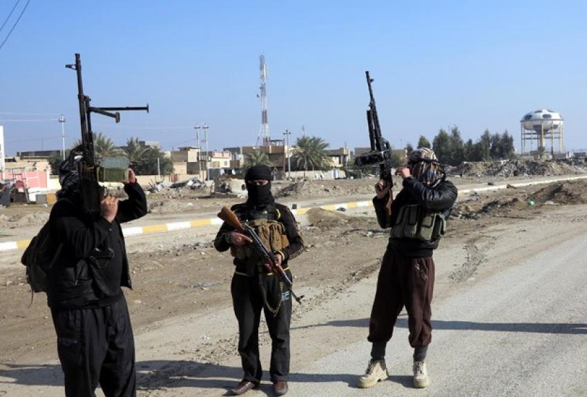 DAEŞ Irak ordusuna ait İHA'yı düşürdü