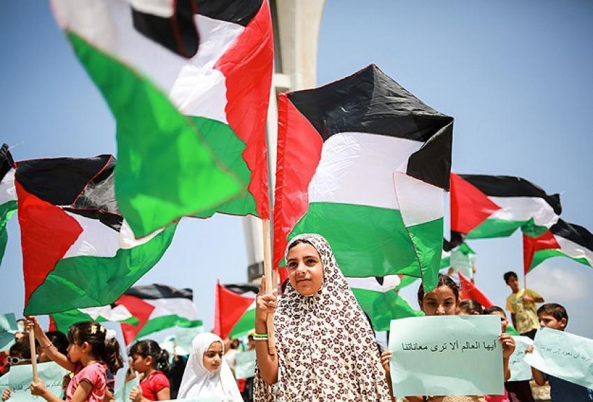Gazzeli çocuklardan 'abluka' eylemi
