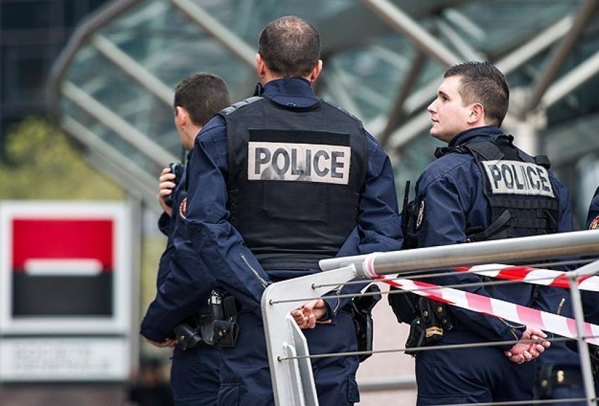 Fransa'da askeri mühimmat deposu soyuldu