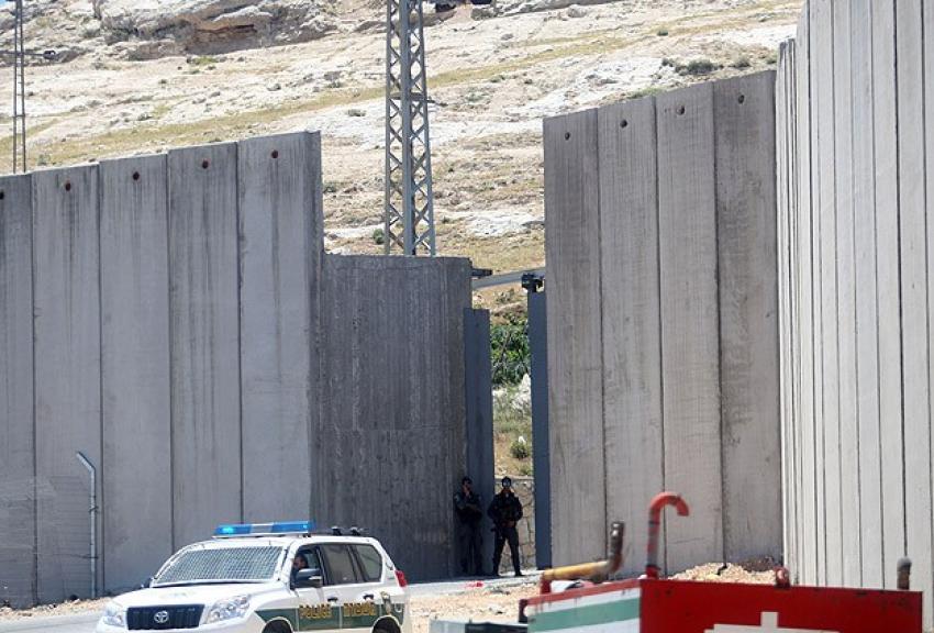 Filistin'den BM'ye 'ayrım duvarı' çağrısı