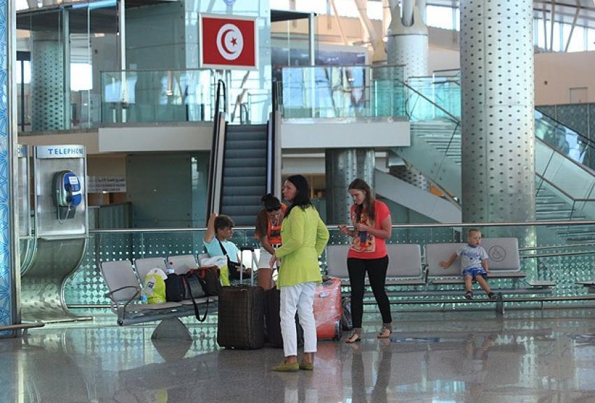 İngiltere'den Tunus'taki vatandaşlarına ayrılın uyarısı