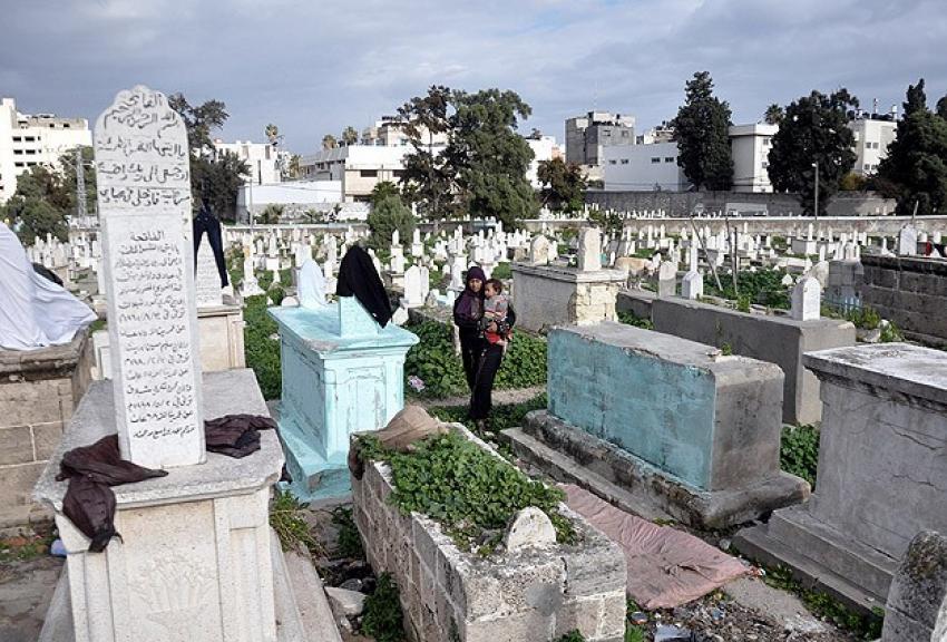 Müslüman mezarlığına Yahudi yerleşim birimi