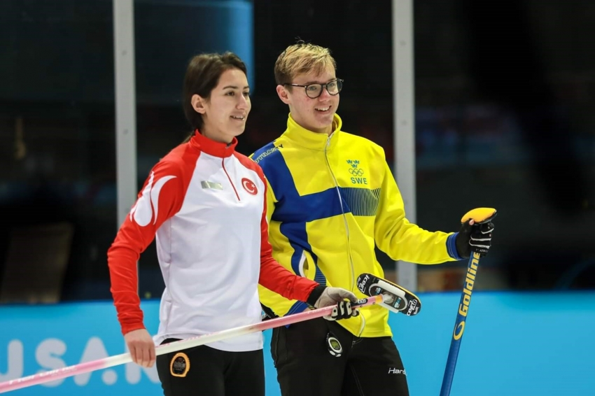 Curling'te duble mix takımı üst tura çıktı