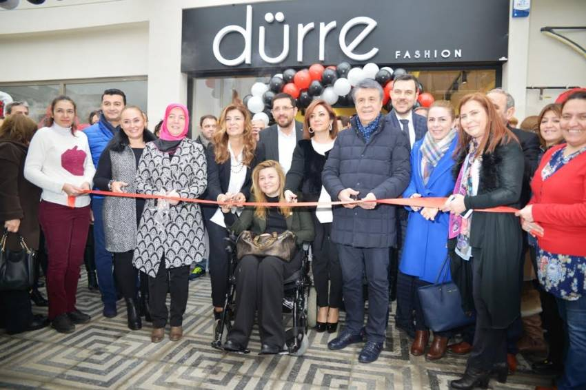 Dürre Fashion Balat'ta açıldı