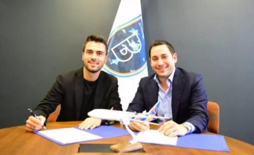 Başakşehir Furkan ile imzaladı