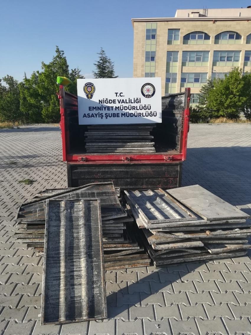 İnşaattan 140 adet çelik pano çalan 1 kişi yakalandı