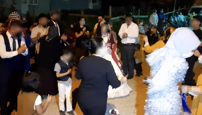 Bursa'da skandal olay: Hasta anne kızının düğününe katılarak etrafa koronavirüs yaydı