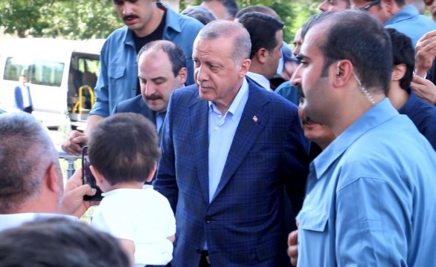 Cumhurbaşkanı Erdoğan'dan şehit ve milletvekilinin ailesine taziye ziyareti