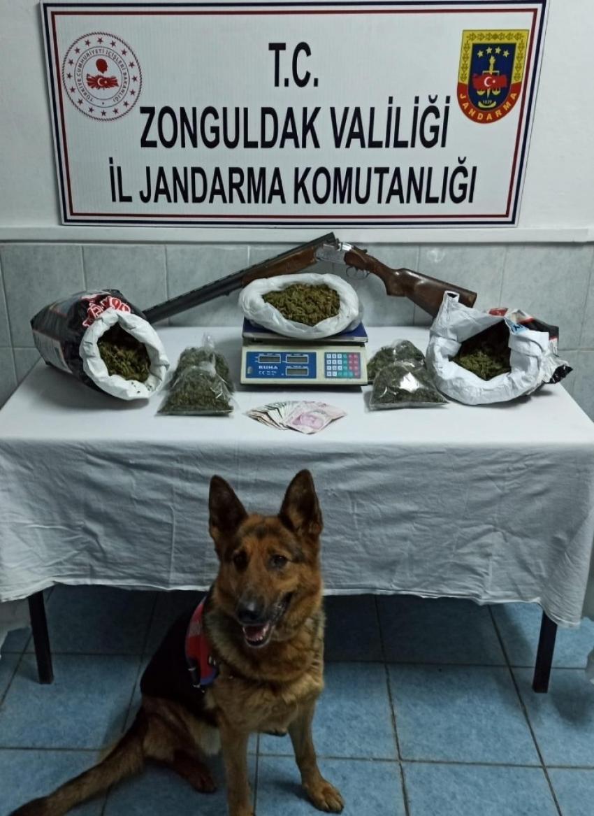 Zonguldak'ta 5 kilo kubar esrarla yakalanan 2 kişi tutuklandı