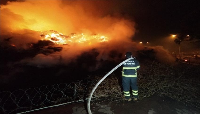 Adana'daki fabrika yangını 18 saattir devam ediyor