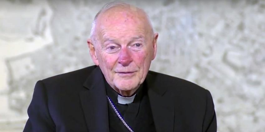 Kardinal 'çocuğa cinsel istismar'dan görevinden alındı