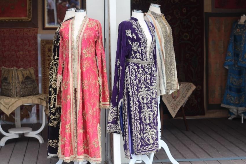 Osmanlı giysileri Antika Festivali'nde görücüye çıktı