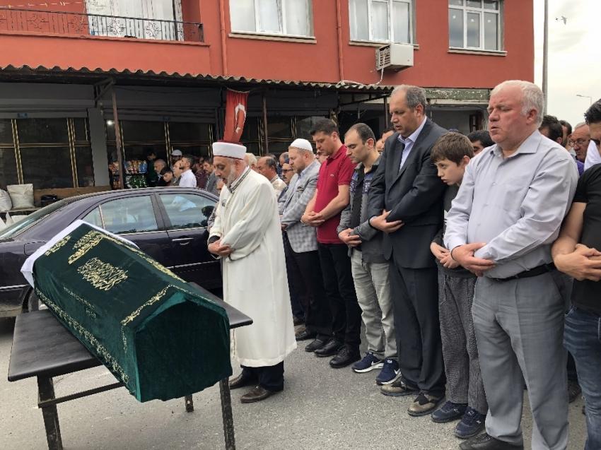 İstinat duvarının altında can veren Fatih Göztepe toprağa verildi