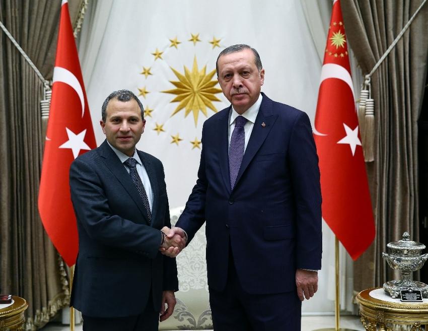 Lübnan Dışişleri Bakanını kabul etti