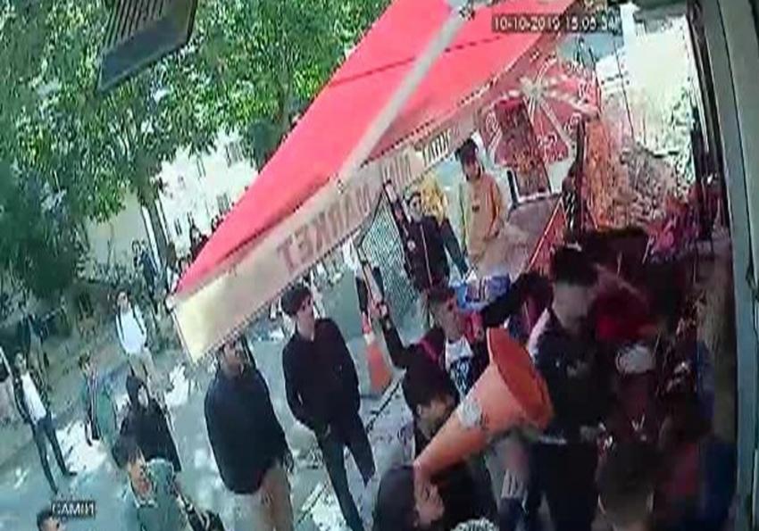 Sultangazi'de öğrenciler 'taciz' iddiasıyla markete saldırdı
