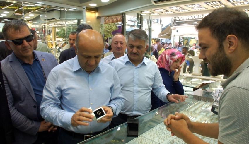 Başbakan Yardımcısı Işık'tan sürpriz esnaf ziyareti!