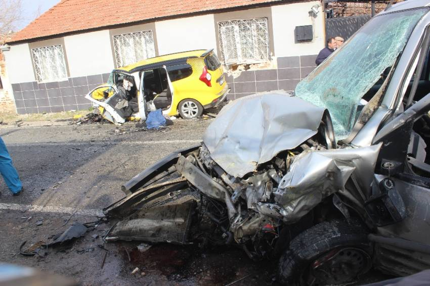 Aydın'da feci kaza: 3 ölü