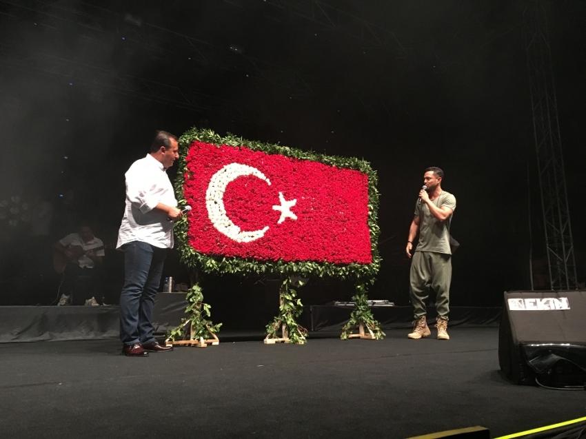 İzmir'de Murat Boz coşkusu