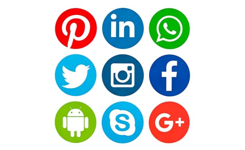 """BTK: """"Sosyal medya kullanırken dilimizi bozmayın"""""""